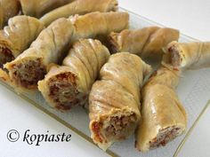 Tsipopita is a traditional Cypriot dessert (pita) made with home made phyllo and tsipa, which is the name of the butter used. To make this butter full fat ewe's milk is used and it is made … Greek Sweets, Greek Desserts, Greek Recipes, Desert Recipes, Greek Baklava, Turkish Baklava, Middle East Food, Middle Eastern Recipes, Cyprus Food