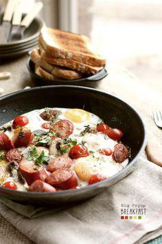 週末の遅い朝。スキレットで作るワンパンブレックファースト7選 - macaroni