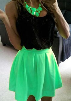 Green skirt & necklace