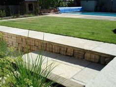 Image from http://www.aldalandscapes.co.uk/wp-content/uploads/2014/07/The-Marlowes4.jpg.