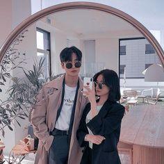 Cute Couples Photos, Cute Couple Pictures, Cute Couples Goals, Korean Best Friends, Boy And Girl Best Friends, Aesthetic Korea, Couple Aesthetic, Korean Boy, Cute Korean