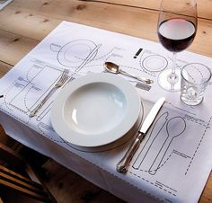 Kniggerich Placemats Teach Table Etiquette- great idea, so many really don't know how to set a table properly. Awesome for kids Table Setting Diagram, Place Settings, Table Settings, Design Online Shop, Dining Etiquette, Etiquette Dinner, Etiquette And Manners, Table Manners, Deco Table