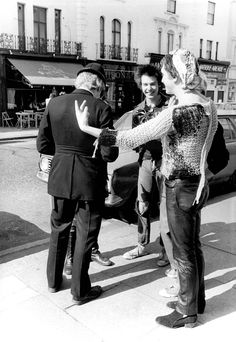 Sex Pistols stopped by Police in Portobello Road, May 23rd 1977 .© Barry Plummer
