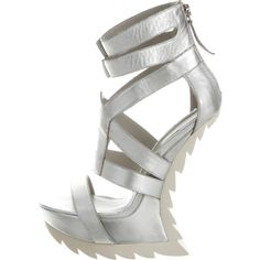 Pre-owned Camilla Skovgaard Metallic Cage Sandals ($125) ❤ liked on Polyvore featuring shoes, sandals, silver, leather platform shoes, caged platform sandals, metallic sandals, caged sandals and metallic platform shoes