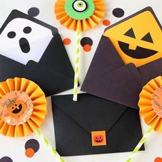 Adorable DIY Halloween Envelope liners made with the Envelope Punch Board by our creative friends over at @blitsy. . #halloweenDIY #halloween #envelopepunchboard #wrmk