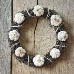 Pipistrela / Cesnačkový veniec Grapevine Wreath, Grape Vines, Wreaths, Decor, Decoration, Door Wreaths, Vineyard Vines, Deco Mesh Wreaths, Decorating