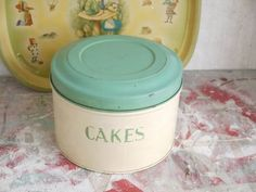 Vintage Tala Cake Tin - Vintage Tala Tin - Vintage Kitchen Canister - Tala Cake Tin - Vintage Cake T Bakery Kitchen, Home Bakery, Shabby Chic Storage, Christmas Ships, Bakery Supplies, Cake Carrier, Bread Bin, Kitchen Canisters, Kitchen Themes