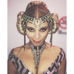 Kirstie looking like princess Leia, AMA's