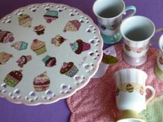 Reina Chula: Pintura sobre Porcelana - Galleries Cake Cookies, Cupcakes, I Cup, Kitchen Themes, Hand Painted, Painted Porcelain, China Painting, Tea Time, Tea Pots