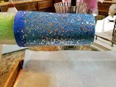 glitter tumbler diy Glitter Crafts, Glitter Ornaments, Glitter Cups, Glitter Decorations, Glitter Tumblers, Decoration Crafts, Diy Resin Art, Diy Resin Crafts, Diy Craft Projects