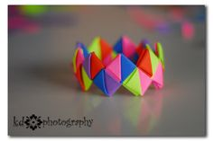 another good tutorial for paper bracelets
