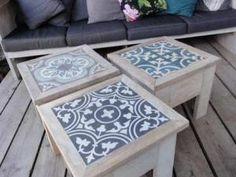 voilà LA bonne idée pour customiser mes petites tables ikea qui ont très mal vieilli du plateau: des carreaux de ciment encadré de bois… (via wood) - voilà LA bonne idée pour customiser mes petites tables ikea qui...