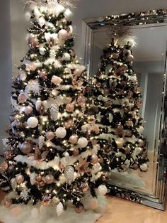 36 Rose and Gold Christmas Tree Decoration Ideas 2018 - .- 36 rose and gold Christmas tree decorating ideas 2018 – # … ideas - Christmas Tree Ideas 2018, Christmas Tree Inspiration, Homemade Christmas Decorations, Christmas Tree Design, Beautiful Christmas Trees, Noel Christmas, Xmas Decorations, Christmas Crafts, Rose Gold Christmas Decorations