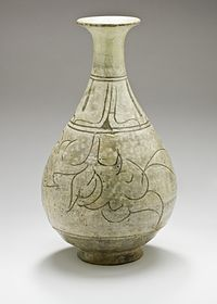 From Wikipedia, the free encyclopedia Buncheong Korean punch'ong ware wine bottle, Choson dynasty, 15th century, stoneware with celadon glaze and white slip, HAA.JPG Korean name Hangul분청사기 Hanja粉靑沙器 Revised RomanizationBuncheong Sagi McCune–ReischauerPunch'ǒng Sagi  Bottle with Floral Scroll and Lotus Petals, Joseon dynasty  Buncheong ware drum-shaped bottle with iron brown decoration of fish, bird and lotus, late 15th-early 16th century Korean, Museum of Oriental Ceramics, Osaka…