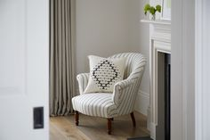 Townhouse Designs, London Townhouse, Signature Style, Accent Chairs, Interior, Furniture, Home Decor, Upholstered Chairs, Indoor
