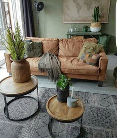 Einrichtung Leather couch How to choose contemporary Rattan weather proof Garden Furniture In today' Living Room Inspo, Living Room Colors, Rustic Living Room, Living Room Green, Living Room Designs, Black Living Room Table, Living Room Decor, House Interior, Apartment Decor