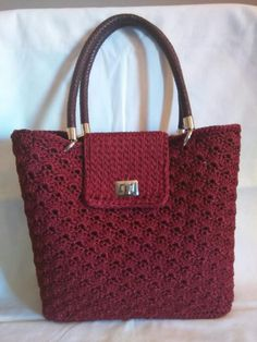 This pin was discovered by ali – Artofit Crotchet Bags, Knitted Bags, Crochet Handbags, Crochet Purses, Crochet Bag Tutorials, Diy Bags Tutorial, Crochet Baby Shoes, Crochet Clothes, Crochet Pouch