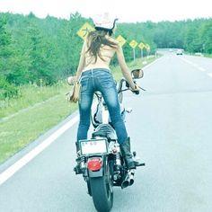 【写真集sample】 #写真集 #グラビア #バイク #古澤恵 #数量限定 #発売中 #チラ見せ #過去の写真 #バイク #愛車 #harleydavidson #fxr #お気に入りショット #バックショット #backshot #女性ライダー #バイクと女 #バイク女子 #オートバイ #モデル #MotorcycleWoman #motorcyclegirls #mymotorcycle #モーターマガジンwebショップ http://mm-style.jp/smartphone/list.html?category_code=ct2978