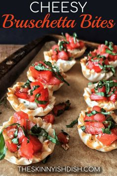 Meet your new favorite party appetizer recipe, my Cheesy Bruschetta Bites. Mini Fillo cups filled with delicious garlic and herb cheese and topped with fresh bruschetta, these bites are the perfect finger food for your next gathering! Finger Food Appetizers, Healthy Appetizers, Appetizers For Party, Simple Appetizers, Finger Foods For Party, Appetizer Ideas, Healthy Party Foods, Italian Food Appetizers, Food For Parties