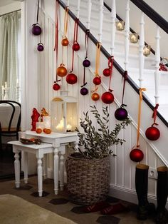 Christmas Staircase Decorations Ideas can just read this full article we had created for you.So checkout Beautiful Christmas Staircase Decorations Ideas Noel Christmas, All Things Christmas, Winter Christmas, Christmas Crafts, Christmas Ornaments, Christmas Hallway, Christmas Ideas, Hanging Ornaments, Christmas 2019