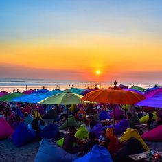 La Plancha is an amazing restaurant and bar in Seminyak and a must experience during a trip to Bali. Places Around The World, Around The Worlds, Bali Sunset, Bali Travel, Beautiful Sunset, Sunrise, Restaurant, Bar, Amazing