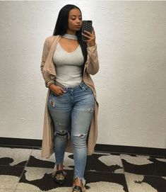 Fashion for Full Black Women Stylish Jeans for Beautiful African American Plus Size Women(Images) Thick Girl Fashion, Black Women Fashion, Curvy Fashion, Look Fashion, Plus Size Fashion, Womens Fashion, Black Women Style, Autumn Fashion Curvy, Young Fashion