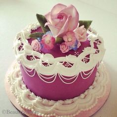 Sugarflowers &  royal icing