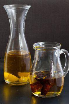 Aceite de ajo y aceite de guindilla (knoflookolie en chiliolie)