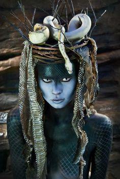 Malinalxochitl es la Divinidad Azteca de las Serpientes, Escorpiones e insectos del Desierto, así como una formidable hechicera