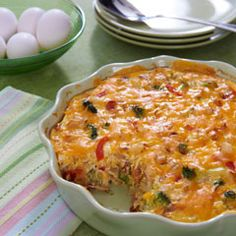 Easy Breakfast Casserole- With this casserole, breakfast will definitely be the most important meal of your day!