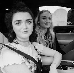 Maisie Williams and Sophie Turner, game of thrones cast, Arya Stark, Sansa Stark