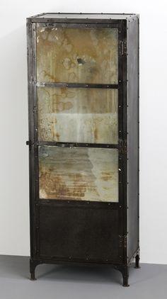 Armario vintage metalico con espejo envejecido demarques for Vitrina estilo industrial
