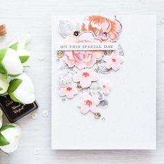 What a stunner! Love the soft colors on this beautiful card by Yana(@letrodectus)!  Click the link in profile to enter the giveaway! ☝️☝#AltenewVintageFlowers #altenew