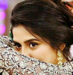 Beautiful Sanam Baloch Prettiest Actresses, Hidden Face, Actress Pics, Pakistani Actress, Girls Dpz, Real Beauty, Interesting Faces, Celebs, Celebrities