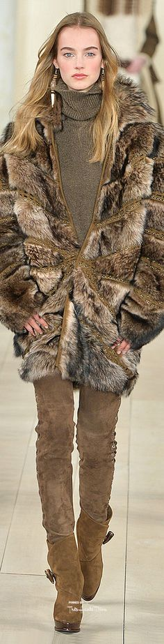 Ralph Lauren, Autumn/Winter Ready-to-Wear Fur Fashion, High Fashion, Winter Fashion, Womens Fashion, Fabulous Furs, Ralph Lauren Style, Ralph And Russo, Casual Elegance, Winter Wear