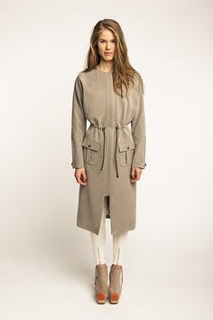 Share with: Stylish and casual lined parka coat with kimono sleeves Concealed zipper fastening at front, fly shield behind the zipper Drawstring at waist for slimming effect Pleated patch pockets with flaps and a breast pocket with zipper closure Snap button details on cuffs Choose a medium weight and draping fabric OUT OF PRINT