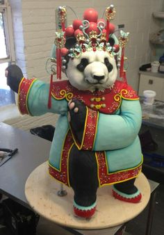 Panda cake (by the amazing Karen Portaleo). I cannot even begin to grasp how huge this thing is! Amazing!