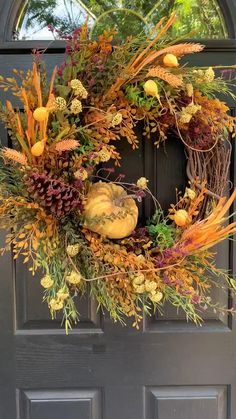 Outdoor Fall Wreaths, Outside Fall Decorations, Easy Fall Wreaths, Autumn Wreaths For Front Door, Diy Fall Wreath, Thanksgiving Wreaths, Halloween, Autumn Decorating, Arte Floral