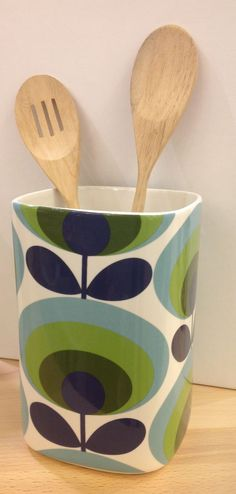 Orla Kiely Utensil Pot | 70s Oval Flower from illustratedliving.co.uk