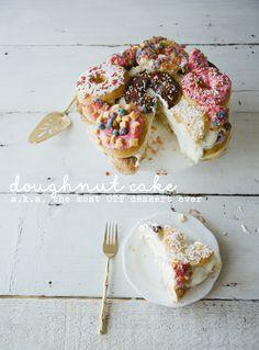 DOUGHNUT CAKE // THE KITCHY KITCHEN @kitchykitchen