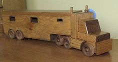 Amish Handmade Maple Wood Horse Trailer & Tractor Trailer Truck This horse trailer is excellent ~ and working, too. Handcrafted with generations of love and devotion to woodcraft and horses! Kids Playroom Furniture, Doll Furniture, Transfer Images To Wood, Kids Toys For Boys, Children Toys, Kids Play Table, Easy Woodworking Ideas, Wooden Toy Trucks, Making Wooden Toys
