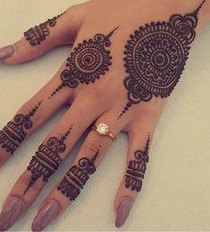 Henna Hand Designs, Pretty Henna Designs, Modern Henna Designs, Henna Tattoo Designs Simple, Stylish Mehndi Designs, Full Hand Mehndi Designs, Mehndi Designs For Beginners, Mehndi Designs For Girls, Mehndi Designs For Fingers