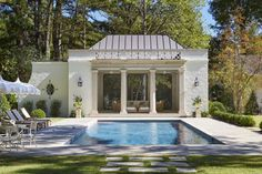 Pool house and pavers Acadian Style Homes, Tudor Style Homes, Ranch Style Homes, Prefab Pool House, Pool Houses, Moderne Pools, Pool Sizes, Pool Landscaping, Backyard Pools