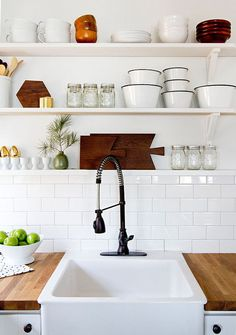 Decor Ideas to Make Your Tiny Kitchen Feel Huge Embrace open shelf storage in your tiny kitchen.Embrace open shelf storage in your tiny kitchen. Modern Kitchen Design, Interior Design Kitchen, Kitchen Designs, Interior Modern, Minimal Kitchen, Interior Decorating, Decorating Ideas, American Interior, Stylish Kitchen