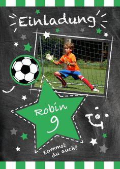 Trendy Einladungskarte für kleine Kicker zum 9. Geburtstag mit Fußball und Foto vom Geburtstagskind