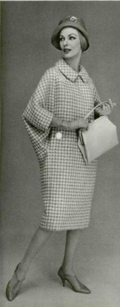 1958 Nina Ricci   http://www.pinterest.com/adisavoiaditrev/