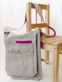 Free Tutorial to make this cool recycled cargo pants messenger bag!! Oh!! I have just the ones to do it with!