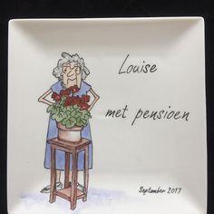 Je gaat met pensioen en dan???……. achter de ………nee, dan krijg je een heel leuk bordje.🤗 #lief#servies#handbeschilderd#cadeau#porselein#hebben#feest#persoonlijk#uniek#bordje#pensioen#kadootje#ideetje#leuk#herinnering#handmade#origineel#opjebordje.nl