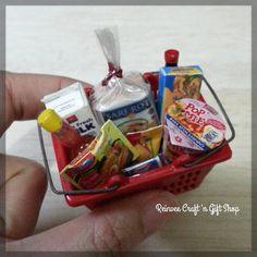 Keranjang belanja supermarket set 1 READY STOCK only 120K all in...Yg berminat silahkan kontak bio...Thanks #clay #miniature #clayminiature #claycraft #craft #handmade #tiny #foodminiature #fakefood #clayfood #airdryclay #miniaturestuffs #miniatur #miniaturclay #miniaturlucu #miniaturmurah #kado #carikado #souvenir #souvenirlucu #souvenirunik #jualan #malang #onlineshopmalang #pajangan #kreasiunik #customorder #reinveesproducts