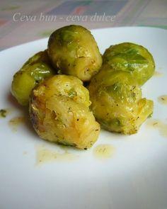 Reteta culinara Varza de Bruxelles calita din categoria Mancaruri cu legume si zarzavaturi. Cum sa faci Varza de Bruxelles calita Pickles, Sprouts, Cucumber, Potatoes, Vegetables, Food, Potato, Essen, Vegetable Recipes